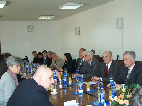 delegacija_sda_posjeta210410b3.jpg