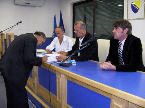 ministarstvo-za-soc-politiku-agregati-200910b.jpg