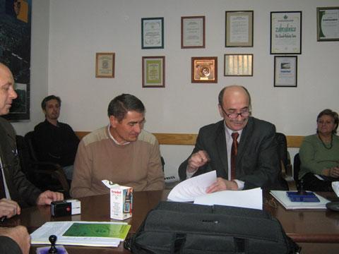 potpisivanje-sporazuma-sindikati-131109b.jpg