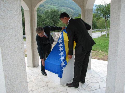 spomen-obiljezje-osanica-170910b2.jpg