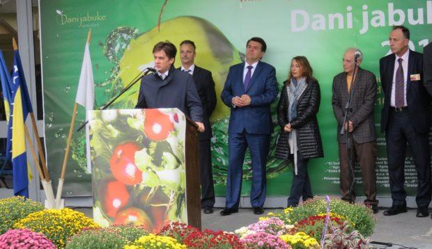 """Održan 13. tradicionalni sajam """"Dani jabuke"""" u Goraždu"""