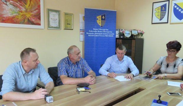 Potpisani ugovori o podršci neprofitnim organizacijama iz oblasti Ministarstva za privredu